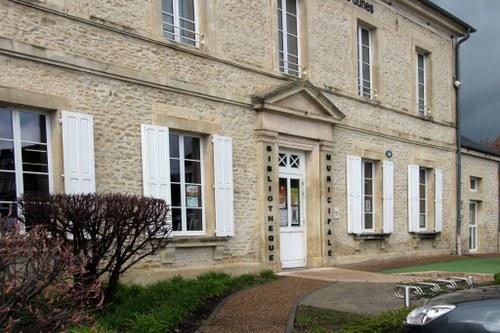 bibliotheque facade 2.jpg